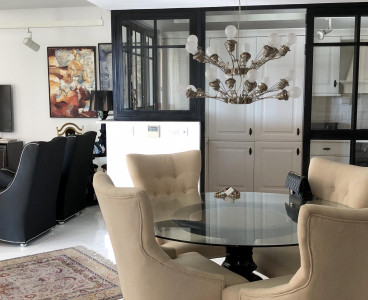 Elegant Apartment image on  M.Residence
